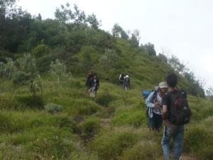 18. Perjalanan menuju puncak 1 watu gubuk.