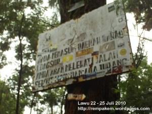 57. Papan Peringatan Gunung Lawu